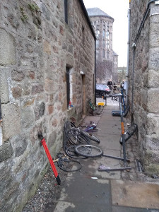 file:becycle_aberdeen_alley.jpg