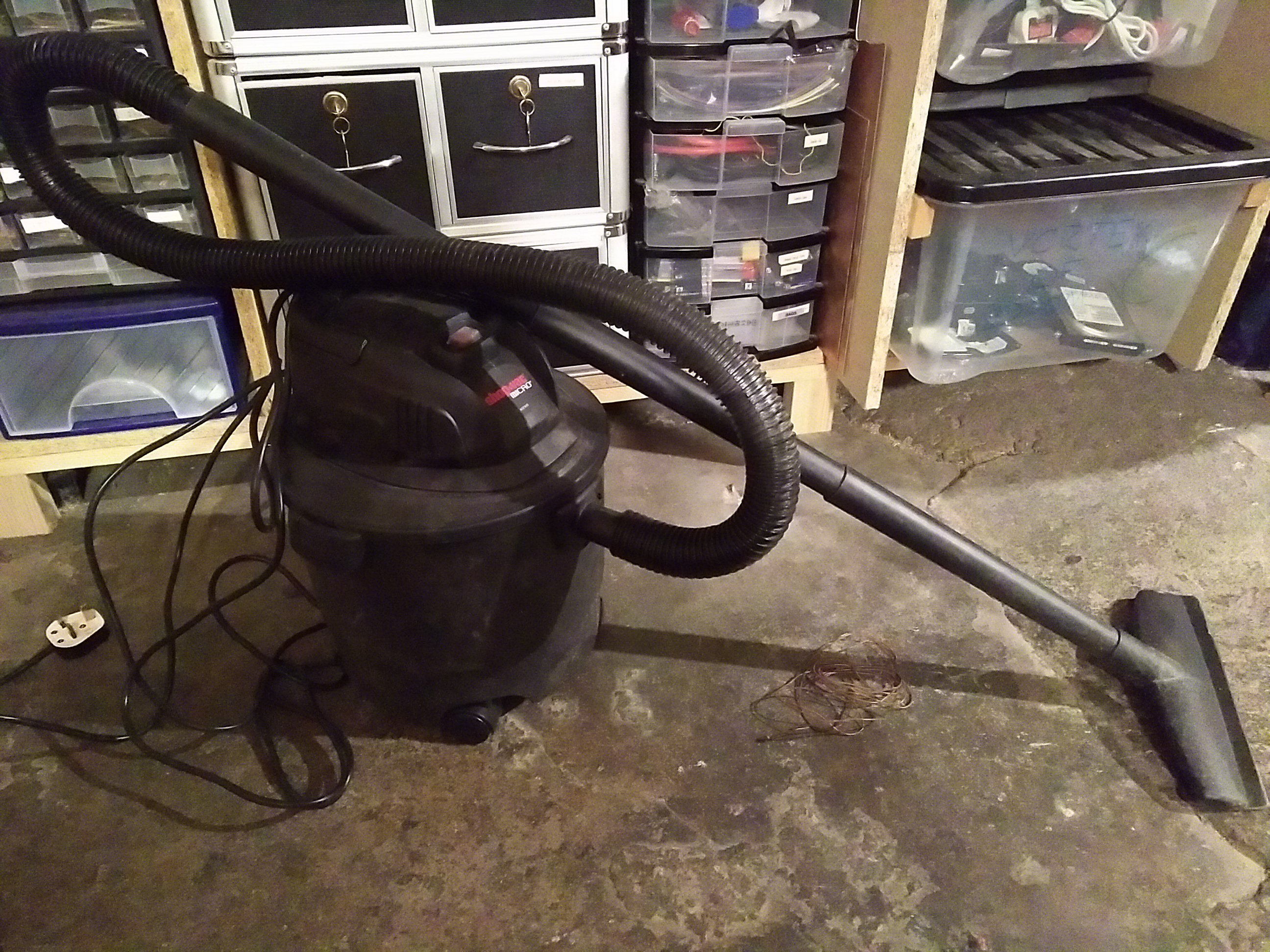 file:shop_vac_micro.jpg